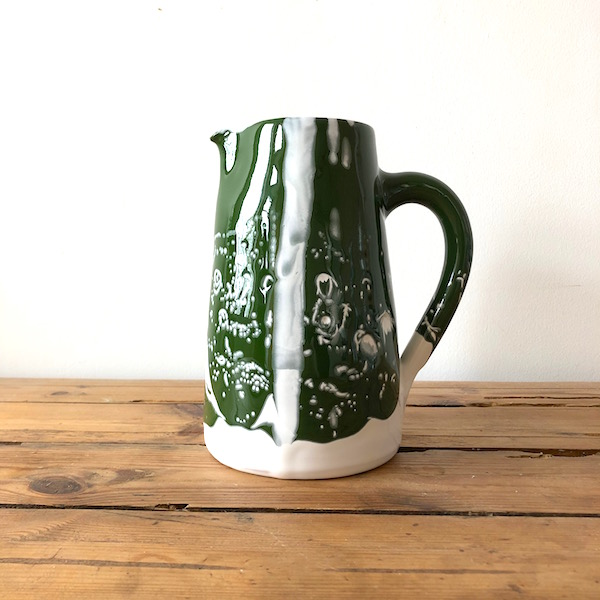 pichet en céramique fabriqué à la main en Vendée par annette van ryhsen