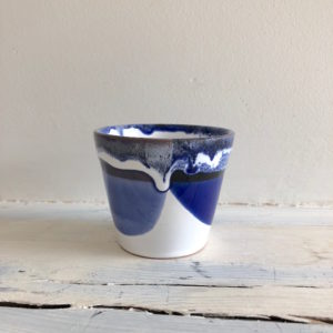 mini mug bleu et blanc